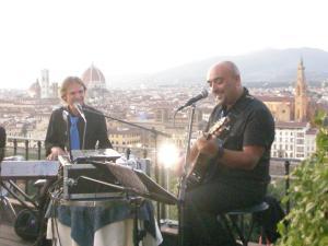 VIP'S BAR - Piazzale Michelangelo - FirenzeLuglio 2011